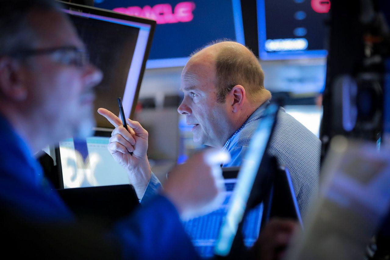 美國股市受非農就業報告提振加速上漲,道瓊工業指數大漲近200點。路透