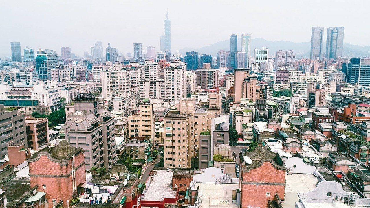 台灣20年來最大的變化是什麼?許多網友一致認為是房價。 圖/聯合報系資料照片