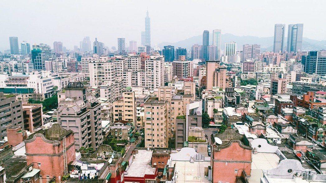 一名網友對於到底該買公寓1樓還是電梯大樓感到很猶豫。 圖/聯合報系資料照片