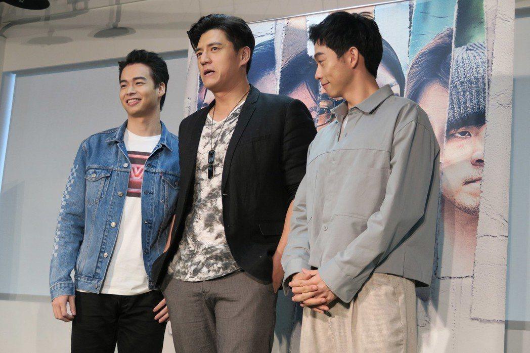 台劇「我們與惡的距離」熱度不減,劇中3名角色型男林敬倫(左起)、阿布(周詠訓)、