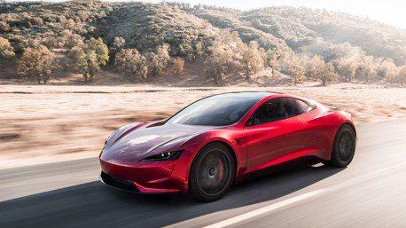 被問到第二代Tesla Roadster能跑多遠?Elon Musk:超過1000公里!
