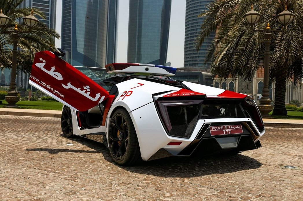 阿布達比警車Lykan HyperSport。 摘自W Motors