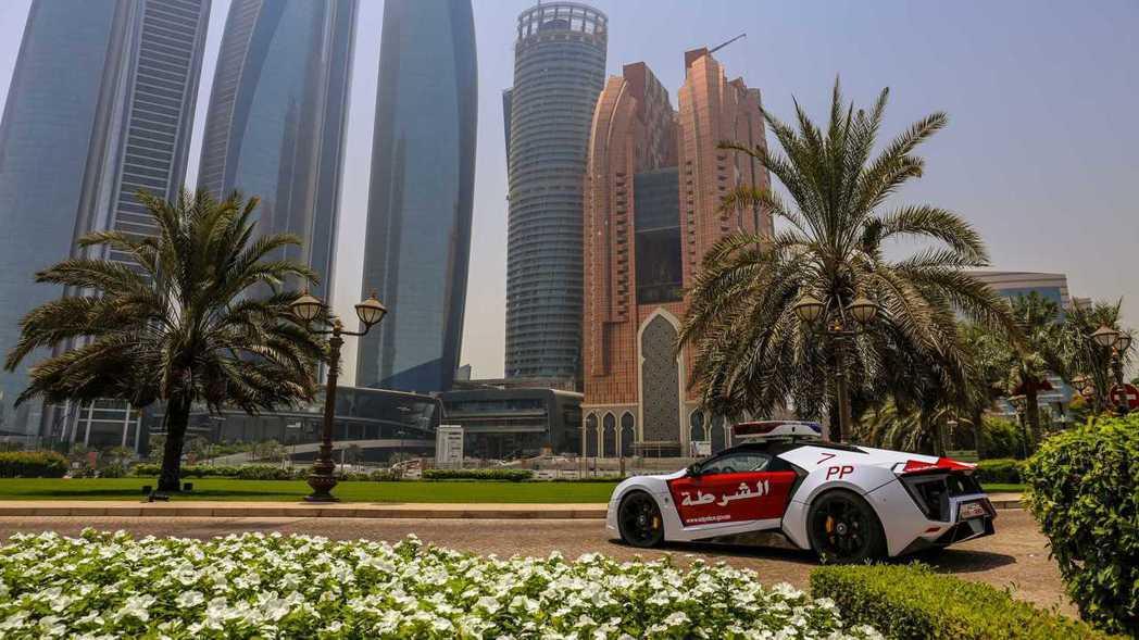 Lykan Hypersport搭載了由Porsche提供的3.8升六缸雙渦輪增...