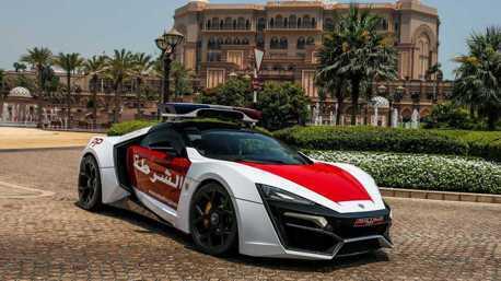 影/杜拜的警車很狂?阿布達比可是用Lykan HyperSport來當警車!