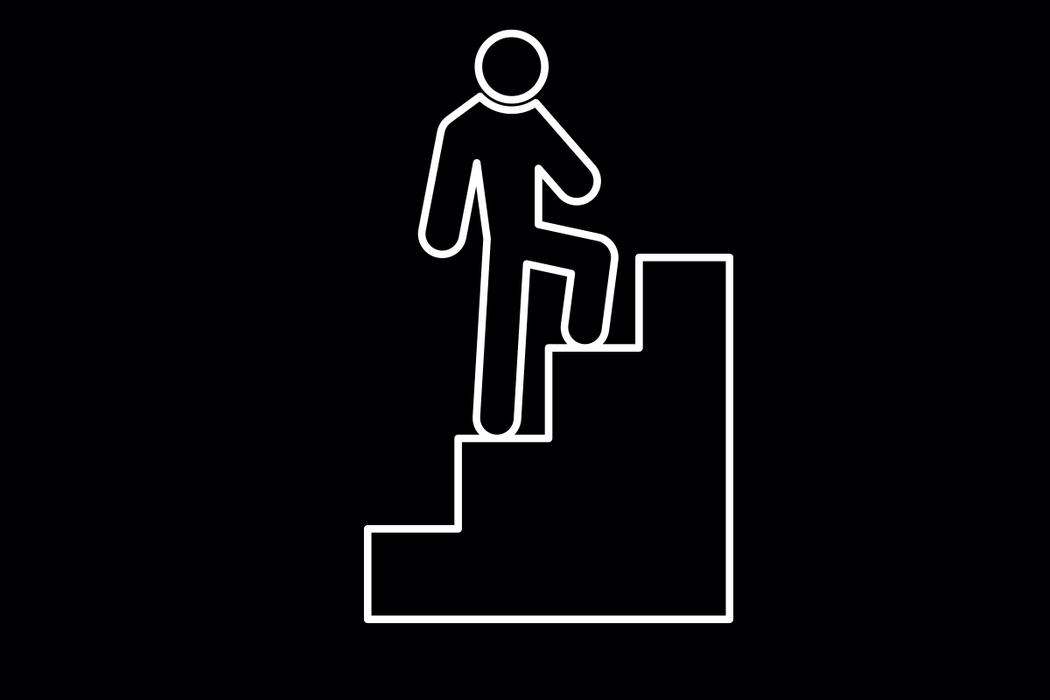 股四頭肌無力且僵硬時,因為無法好好收縮和伸展,在需要反覆伸直、彎曲膝蓋,如坐下又...