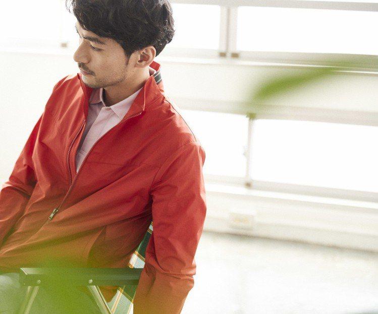 D'URBAN日前曝光2019春夏系列形象型錄,凸顯品牌的製作工藝,採用日本經典...