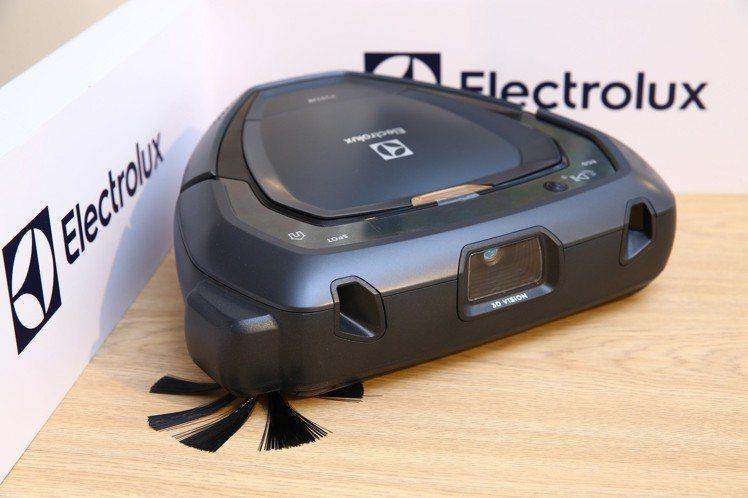 伊萊克斯PURE i9型動機器人,一鍵清掃不費力。圖/伊萊克斯提供