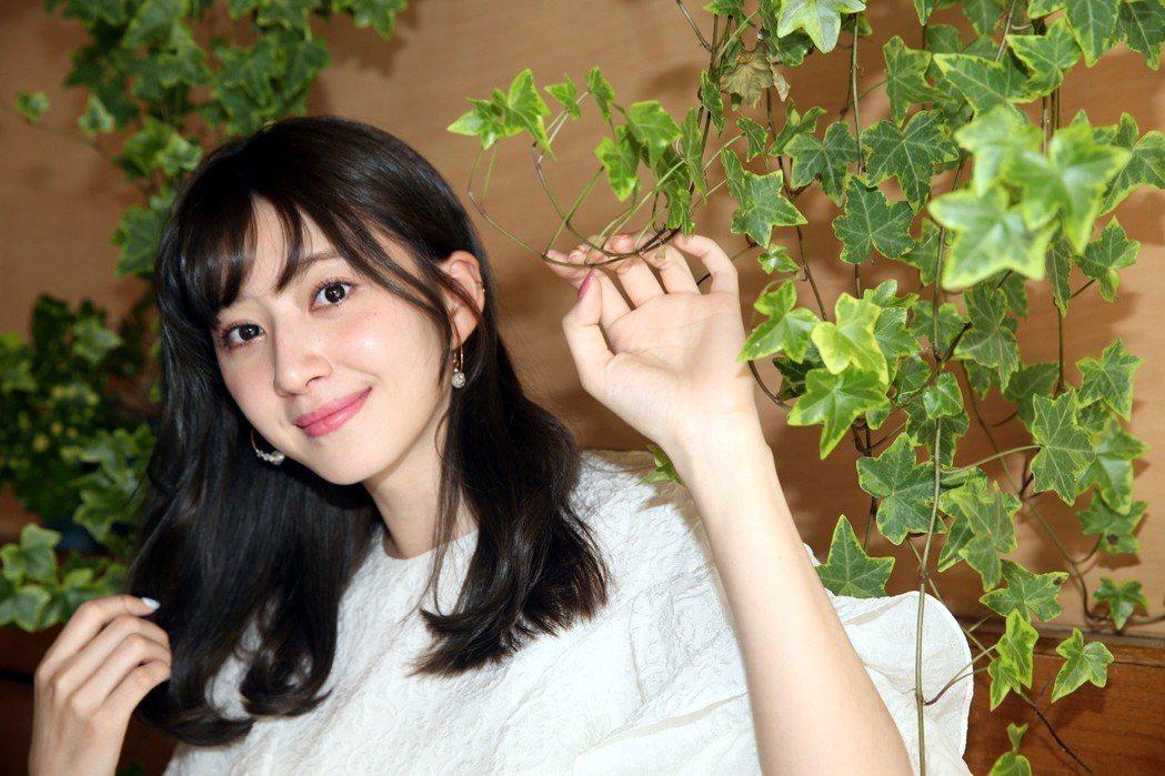 謝翔雅外型亮麗、知性氣質,吸引不少粉絲。記者林俊良/攝影