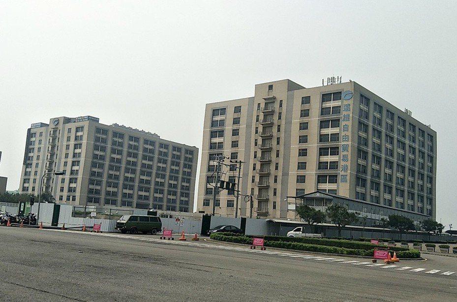 桃園市遠雄自由貿易港區2萬5000坪廠辦大樓額滿(見圖),計畫投資50億元擴建廠房大樓,未來將提供8000多個就業機會。記者曾增勳/攝影