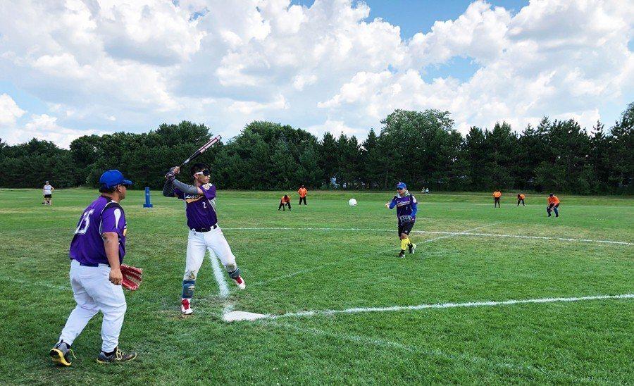 盲人棒球比賽照片。  圖/郭育廷提供