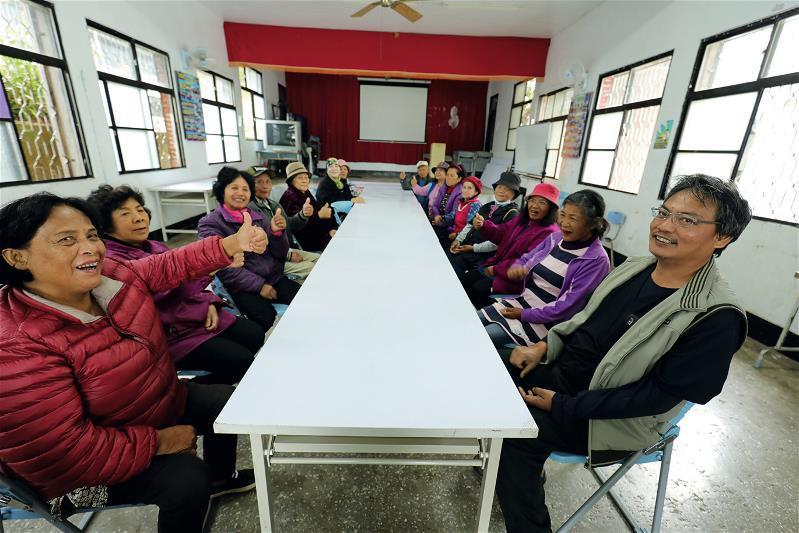 視病如親的醫病關係,徐超斌重視偏鄉居民生活的品質勝於生命的長度。