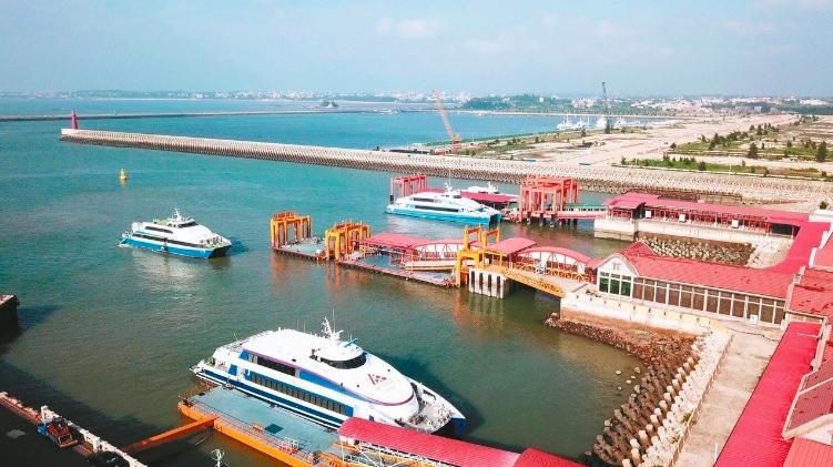 圖為「小三通」金門水頭碼頭。 聯合報系資料照
