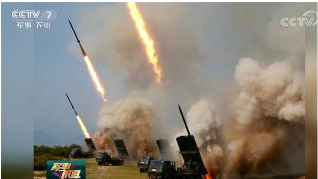 北韓進行火力打擊訓練。(央視)