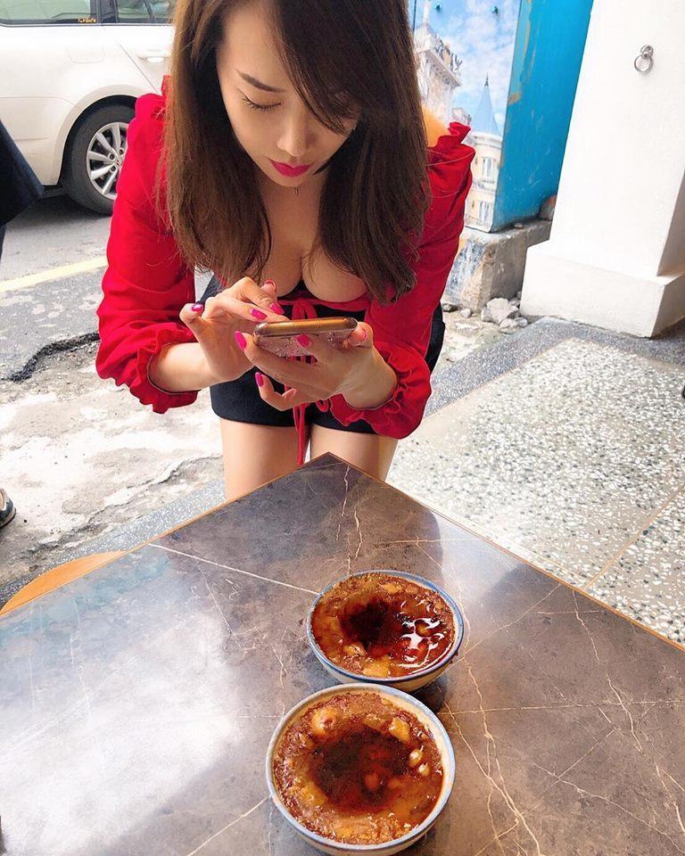 林佩瑤先前與碗粿的合照引起熱議。圖/摘自臉書