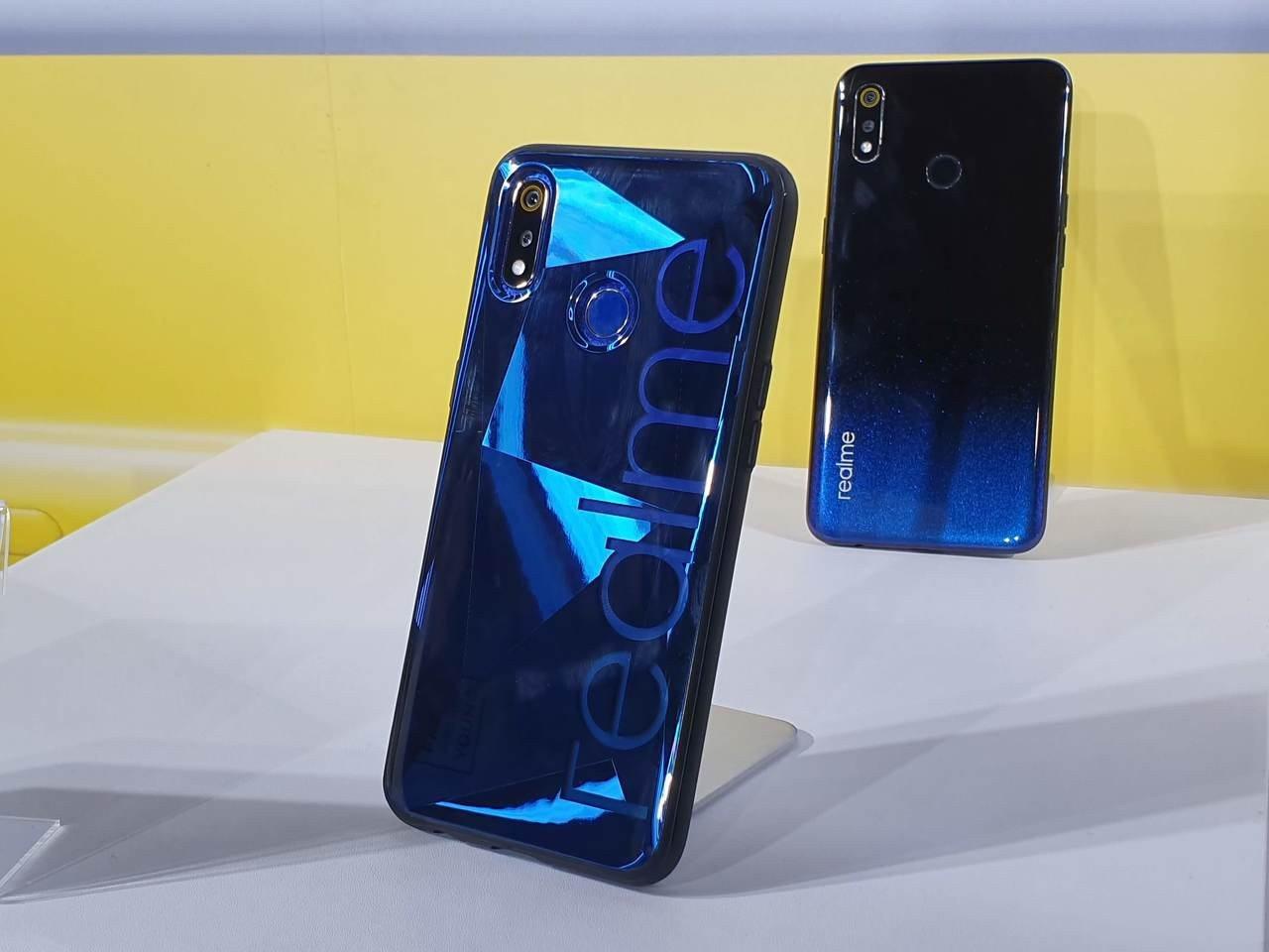 realme 3推出鏤空設計的專屬經典手機殼。記者黃筱晴/攝影