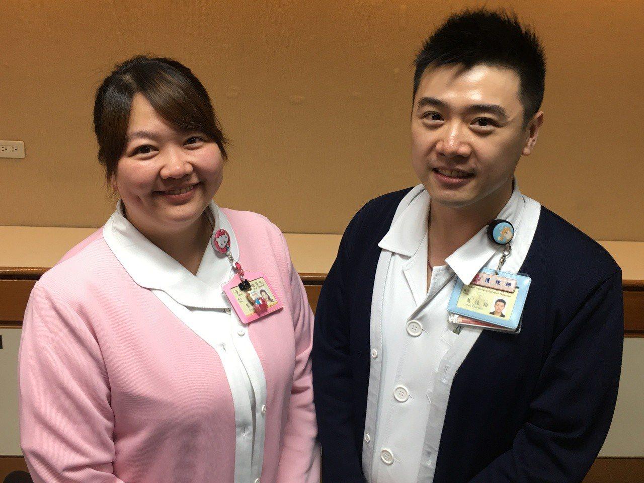 台北榮總的姊弟護理檔葉子安(左)及弟弟葉佳翰(右)。記者鄧桂芬/攝影
