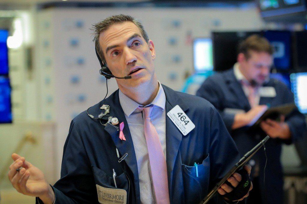 美中貿易戰影響,美股周一收斂盤中跌幅,溫和收低。不料,美國貿易代表賴海哲和財長米...
