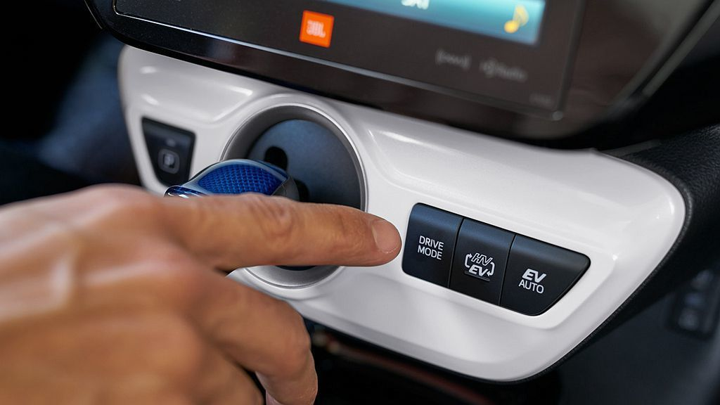 在EV純電模式下,Toyota Prius Prime最多具備40.2km公里遠...