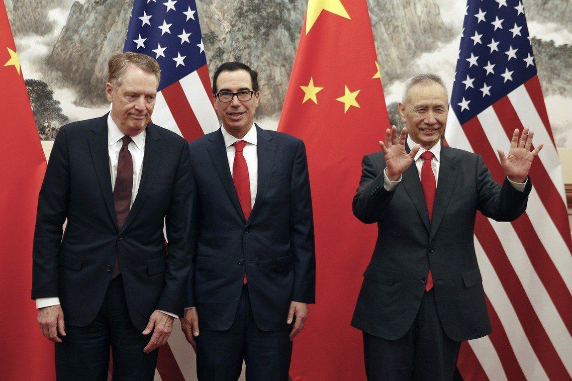 部長梅努欽表示,直到上周末為止,中美貿易談判的進展都相當順利;上個星期,他與萊特...