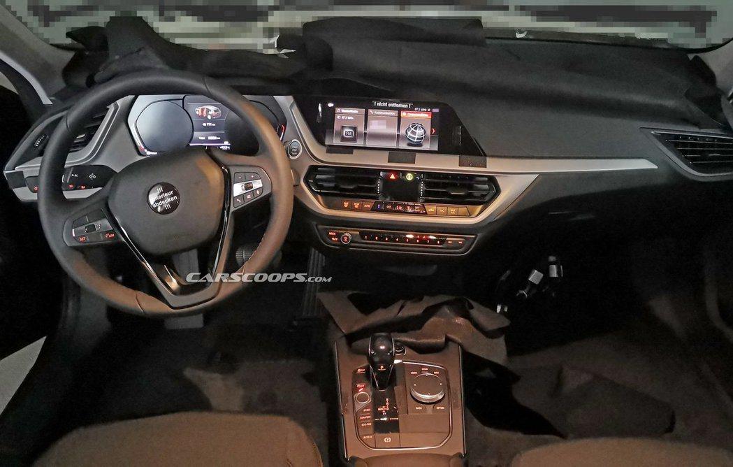 光從新世代BMW 1 Series曝光的無偽裝內裝照來看,與其他進入G世代的BM...
