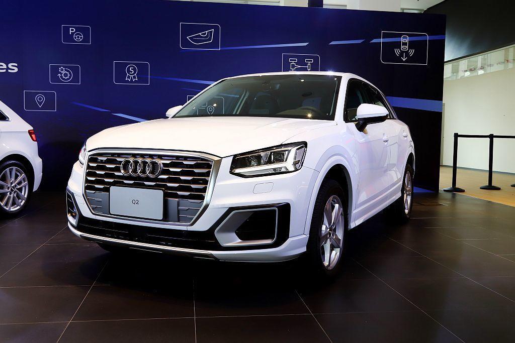Audi Q2顛覆Q系列既有家族樣貌,突破傳統四柱式車身設計,改以粗壯C柱造型創...