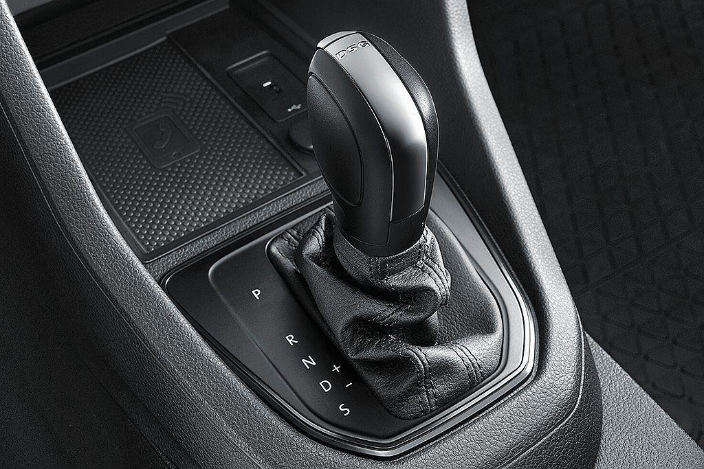 福斯商旅推出Caddy Van 1.4 TSI短軸7速雙離合器自手排車型,給予更...