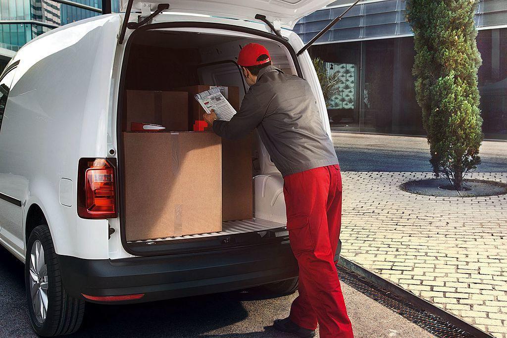 福斯Caddy Van 1.2 TSI短軸手排與1.4 TSI短軸自手排在2,6...