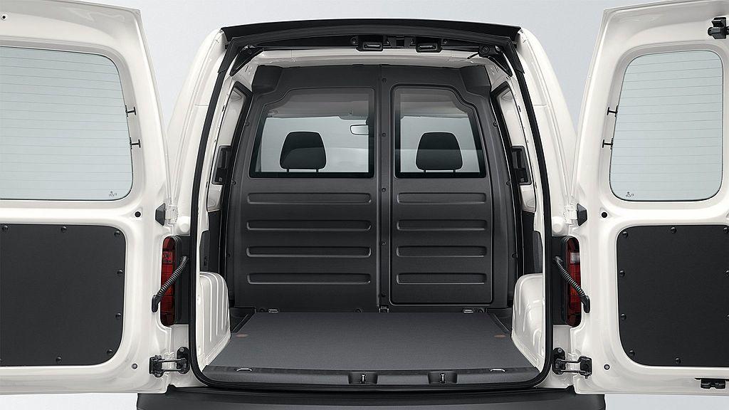 福斯Caddy Van 1.4 TSI長軸手排車型,貨廂深度一舉來到2,249m...