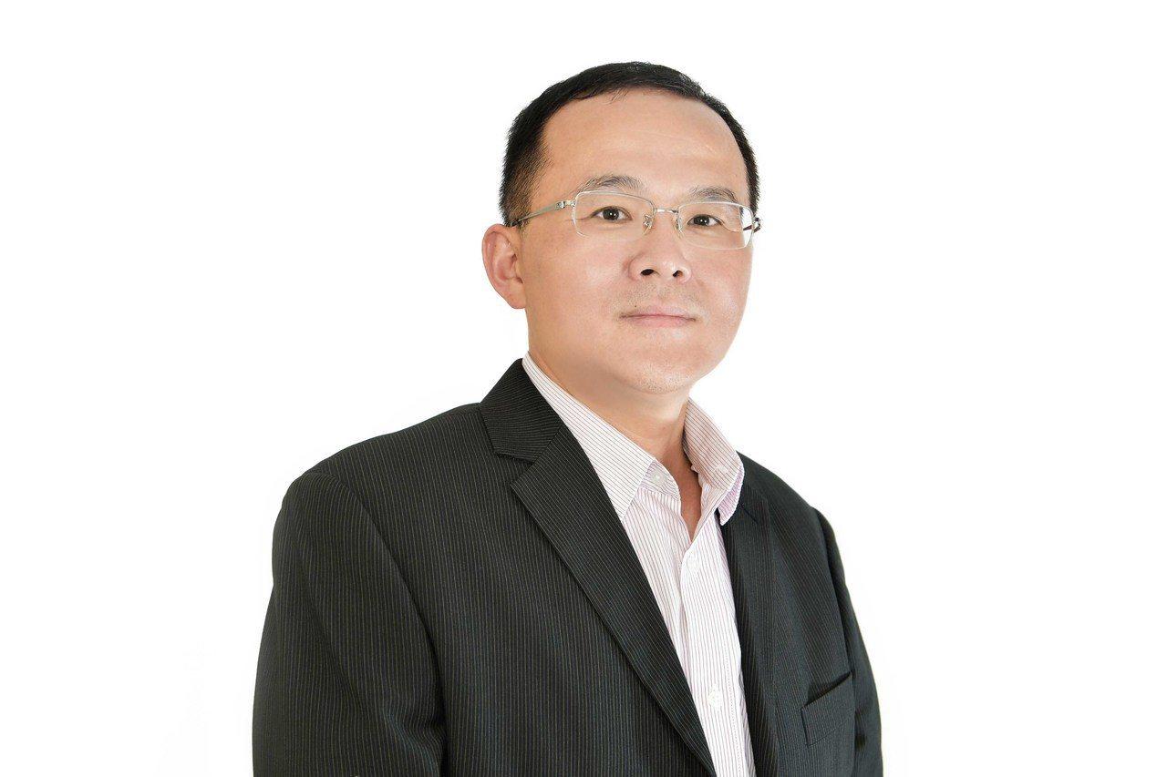 前亞太電信資深副總施晃嘉先生即日起擔任OPPO台灣市場總經理,未來將與新任執行長...