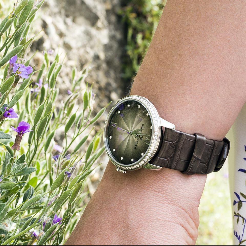 芝柏表1966系列女裝自動上鍊不鏽鋼鑲鑽腕表,30萬6,000元。圖/芝柏表提供