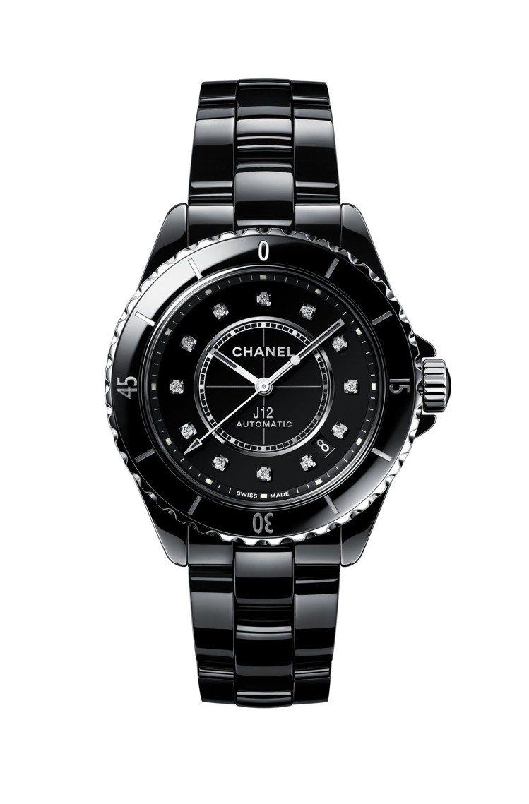 香奈兒J12腕表,38毫米黑色抗磨精密陶瓷搭配精鋼表殼、表盤鑲嵌12顆鑽石時標共...
