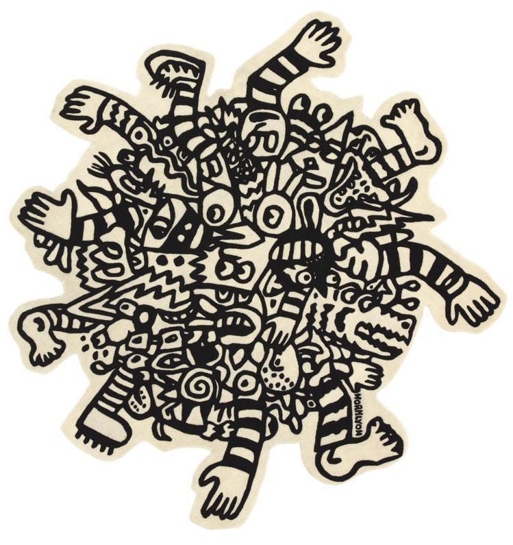 跨領域藝術家Noah Lyon設計了一款描繪人們在宇宙中翻滾的旋渦狀地毯,售價1...