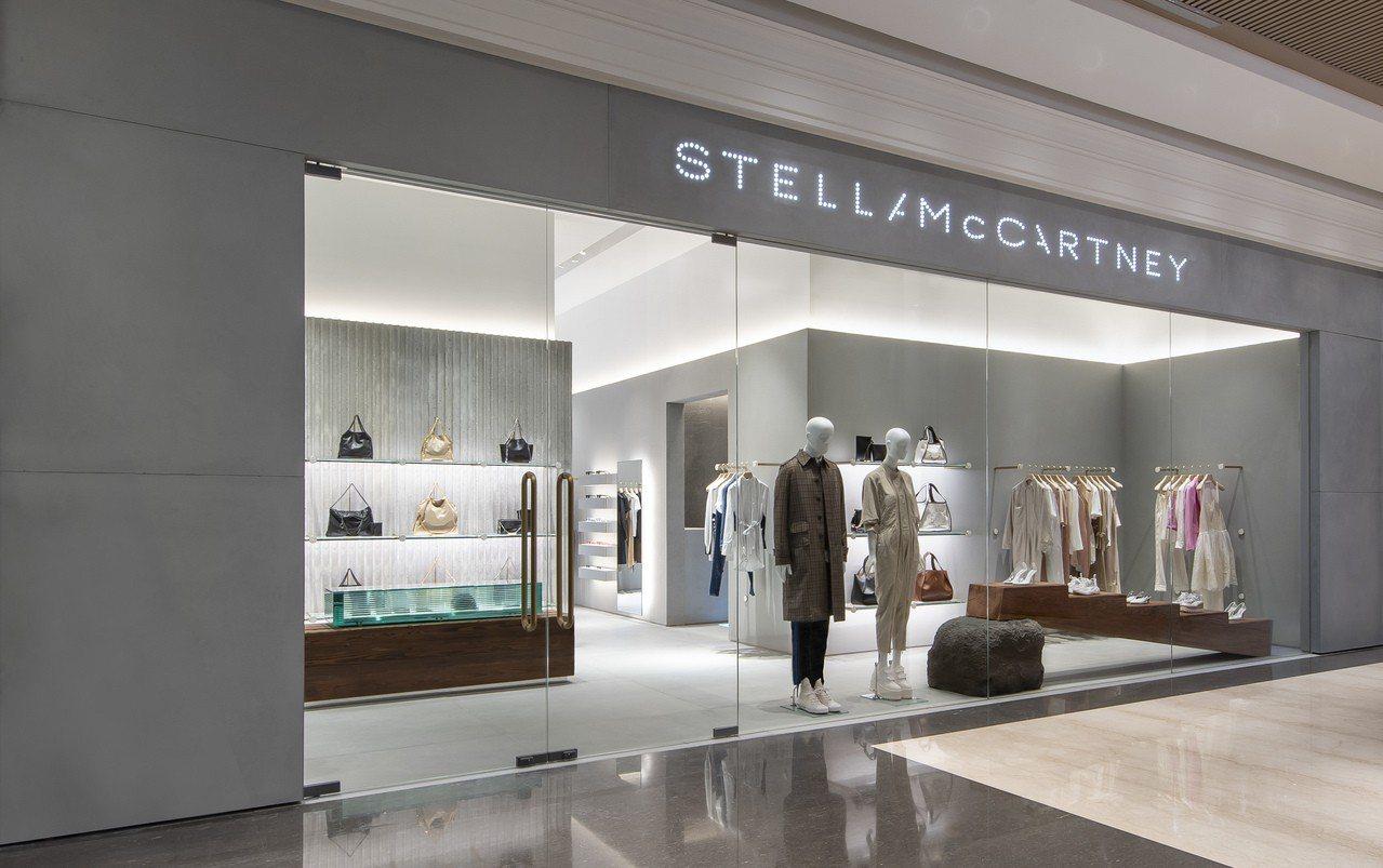 英國時尚品牌Stella McCartney終於在台灣開設第一家直營店,店址選在...