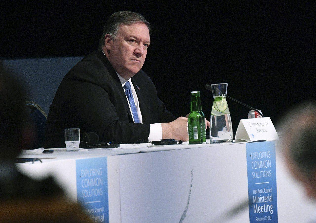 美國國務卿龐培歐七日在芬蘭出席北極理事會部長級會議。(美聯社)