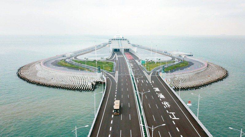 粵港澳大灣區發展將整合多座城市推動經濟整合。 (新華社)