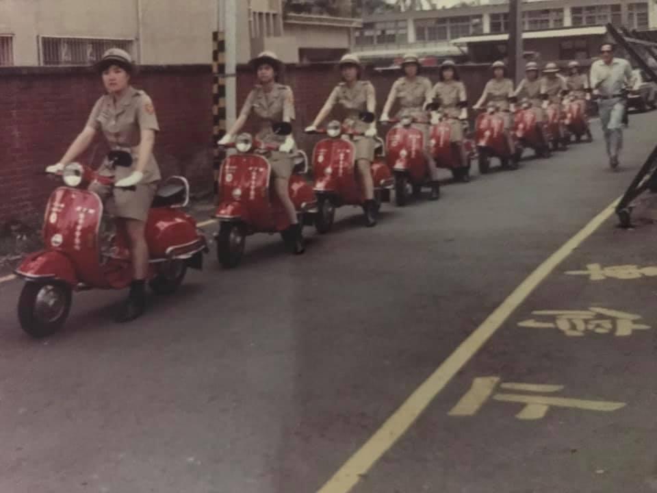 1983年2月台中市警局交通隊(女警分隊)成軍,起初先步巡,半年後才接受民間團體...