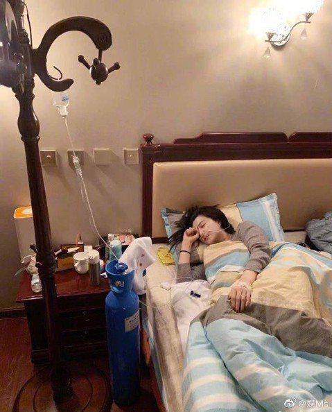 范冰冰去年因為傳出逃漏稅,遭大陸官方調查迄今已1年,自從她上個月22日晚上出席愛奇藝9周年活動,並走上紅毯,似乎代表正式復出娛樂圈。5月初她展開公益活動,與醫療團隊一同進入西藏,想不到范冰冰此行深受...