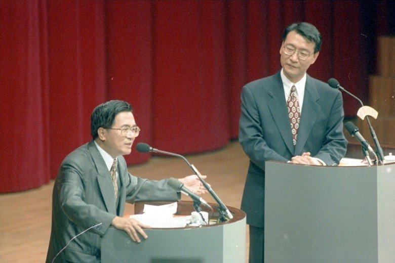 至今網友仍津津樂道1994年台北市長辯論會,候選人陳水扁與趙少康的精彩交鋒。 圖/聯合報系資料照