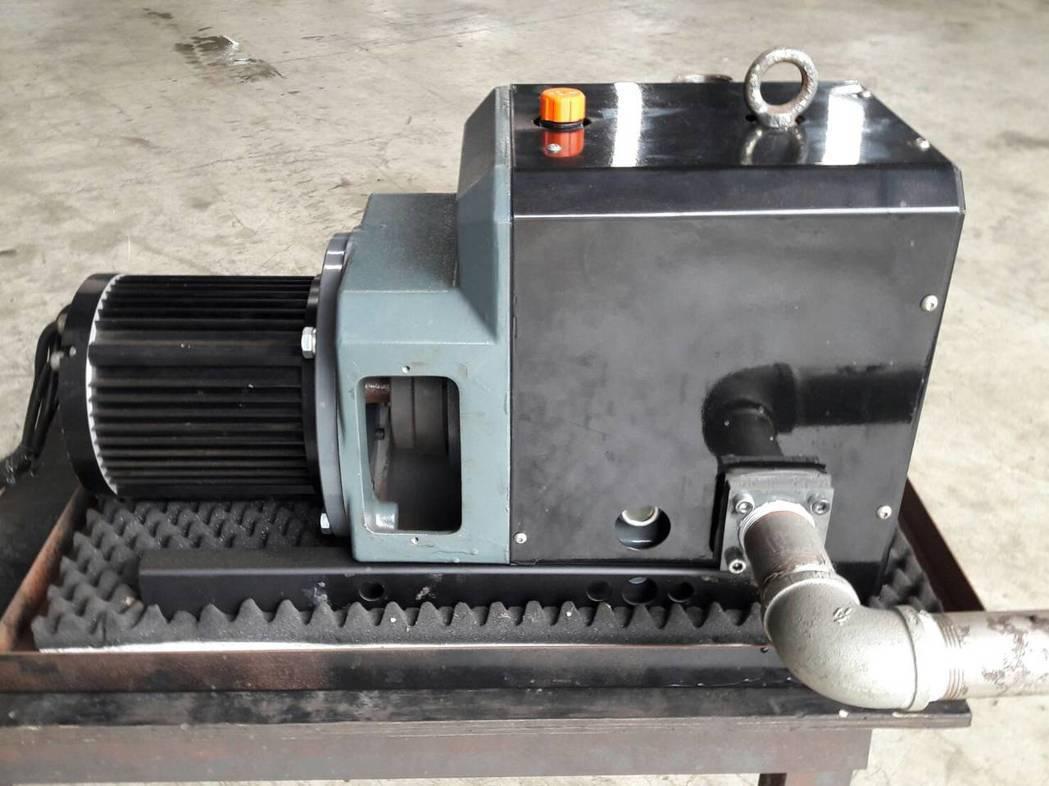 黑偉機械自力研發的燃料電池用空壓機,採雙爪式葉片設計,可彌補傳統魯氏鼓風機所不足...