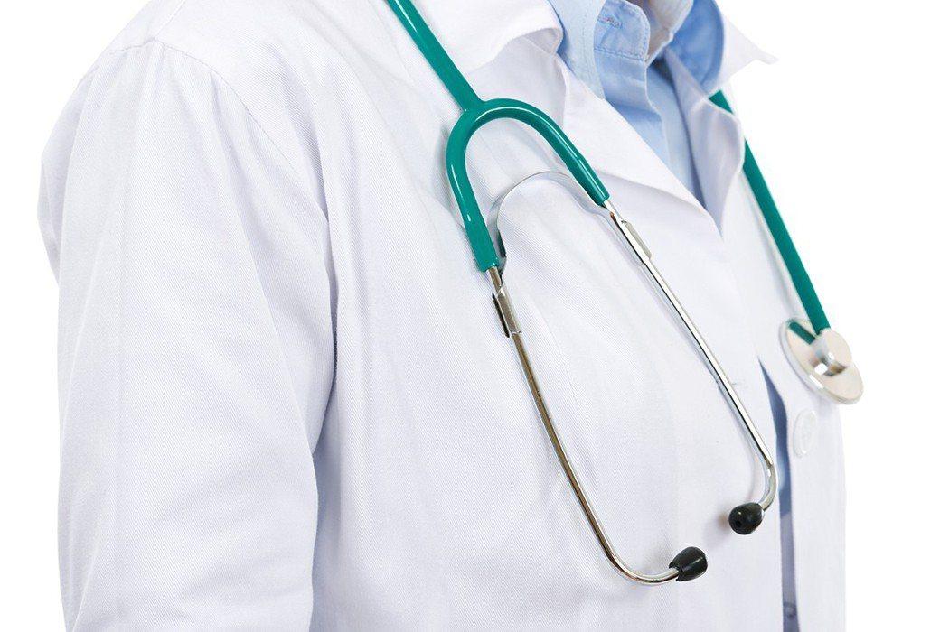 有好醫師的照顧,可以少走冤枉路,減少不必要的痛苦。 圖片/ingimage
