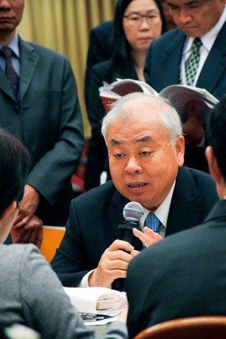 行政院主計總長朱澤民強調,投注國家公共建設,可望帶動經濟發展