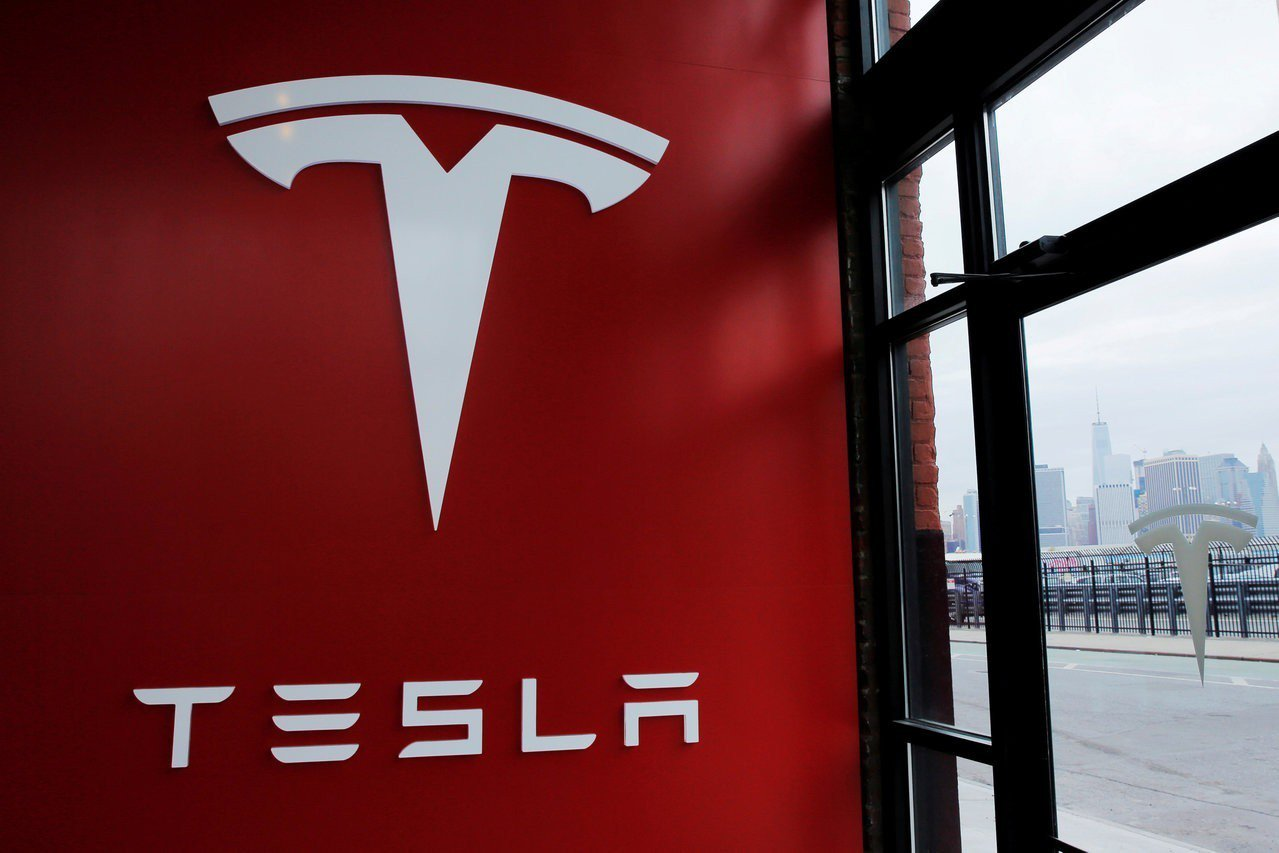 特斯拉將賣較平價的保險給特斯拉車主。 路透
