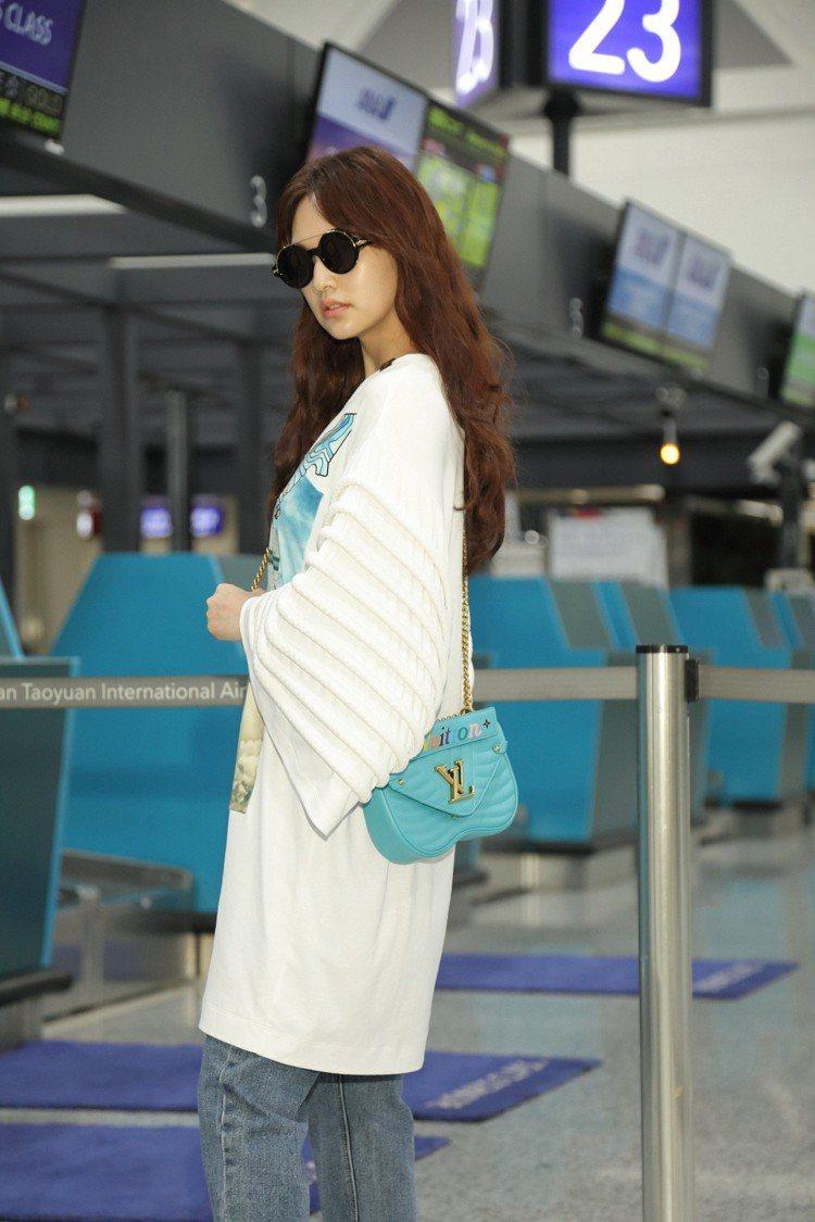 楊丞琳以New Wave手袋作為穿搭亮點。圖/LV提供