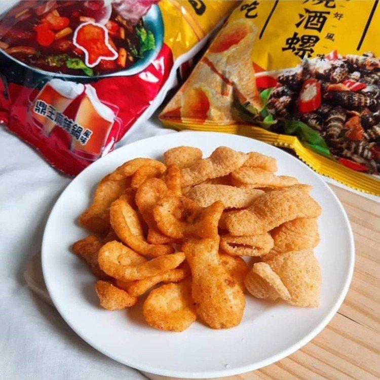網友搶先開吃燒酒螺與麻辣鍋風味孔雀香酥脆。IG @jyun791004提供 ...