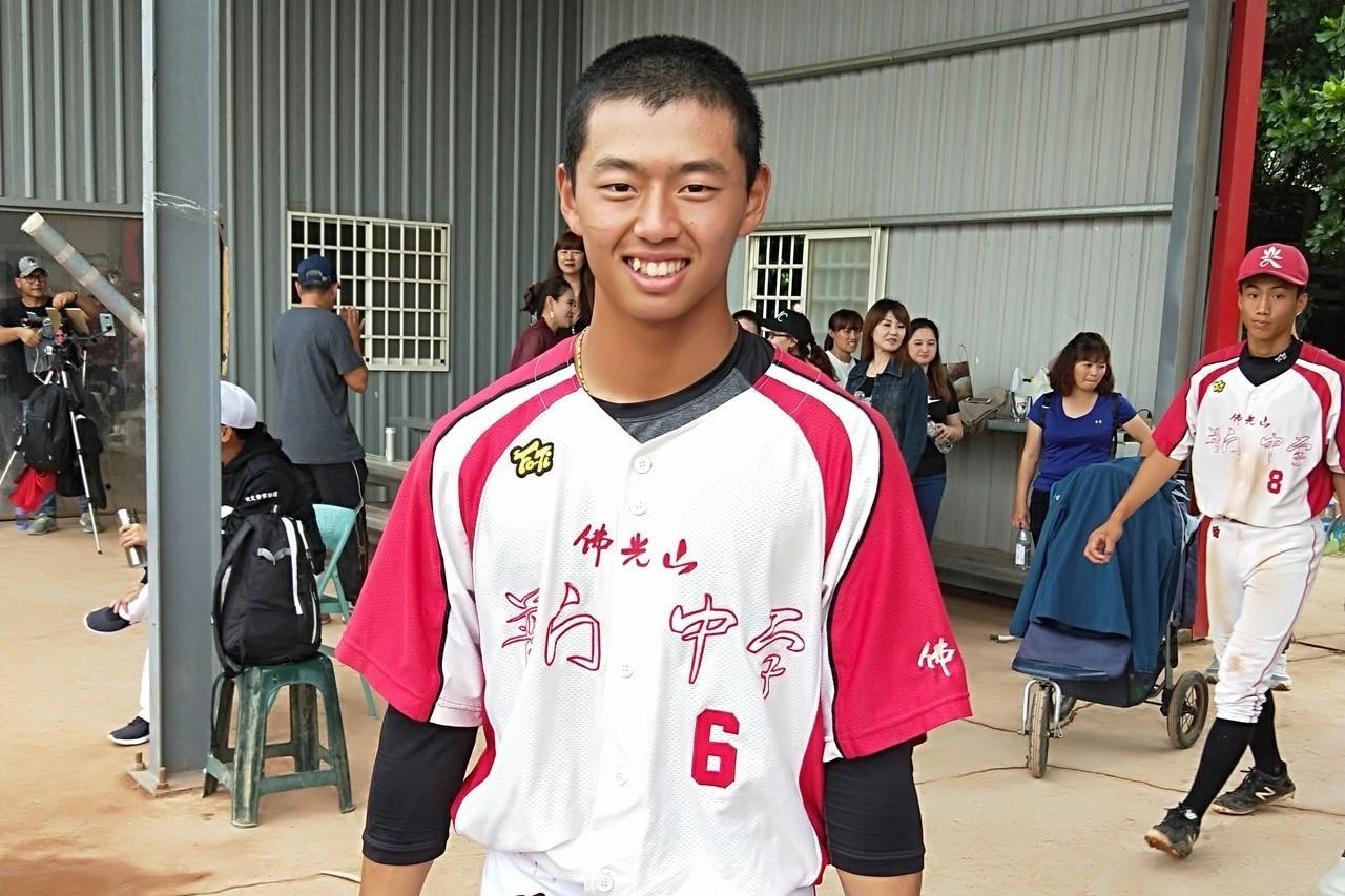 今年7月與美職海盜隊簽約,普門中學畢業的游擊手鄭宗哲是這次U18中華隊陣中的唯一...