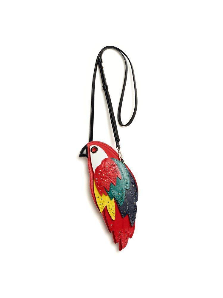 2019夏季有許多以鸚鵡為形貌的繽紛包款。圖/Kate Spade提供