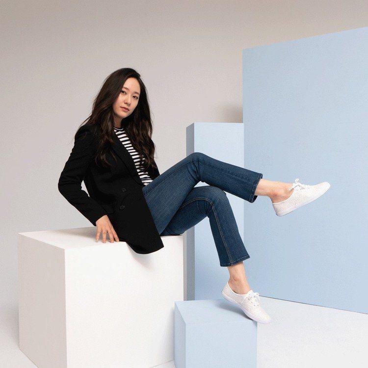 韓國女神Krystal示範Keds的私服穿搭。圖/Keds提供