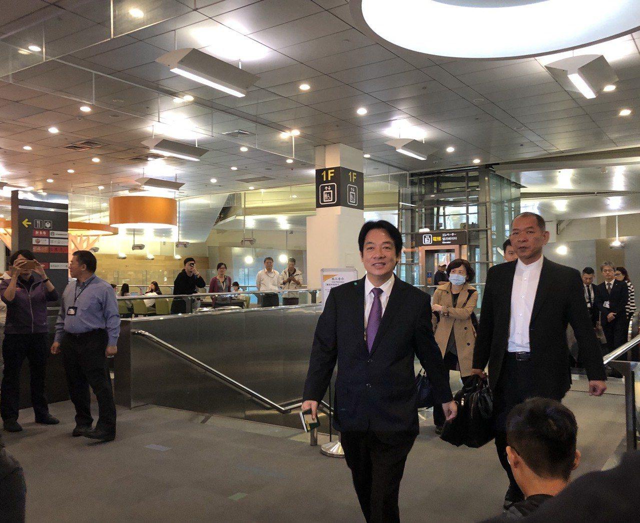 行政院前院長賴清德稍早從松山機場搭機前往日本東京。記者丘采薇/攝影