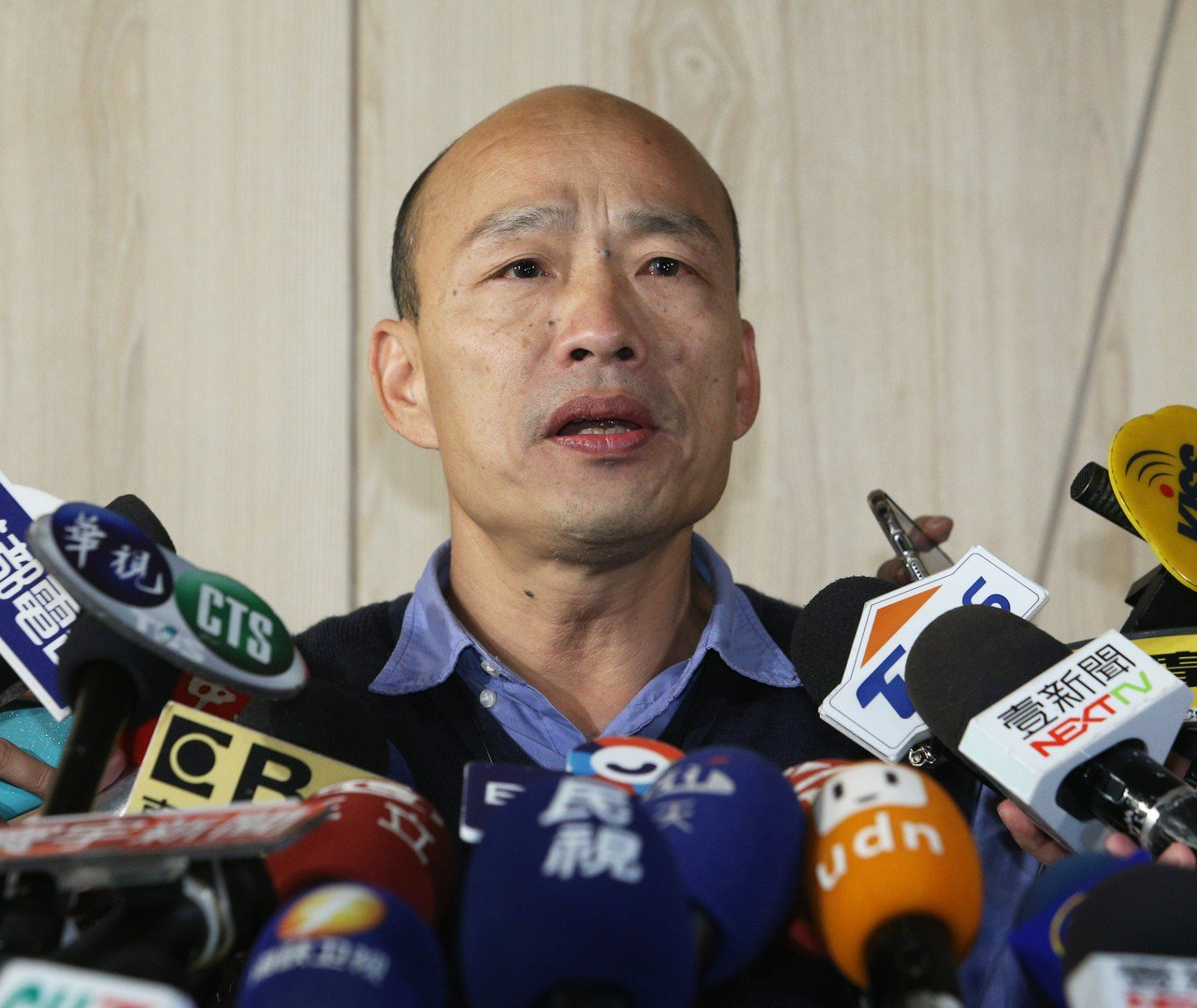 國民黨總統初選的方式預計沒有領表登記等程序。對此,高雄市長韓國瑜表示一切尊重黨中...