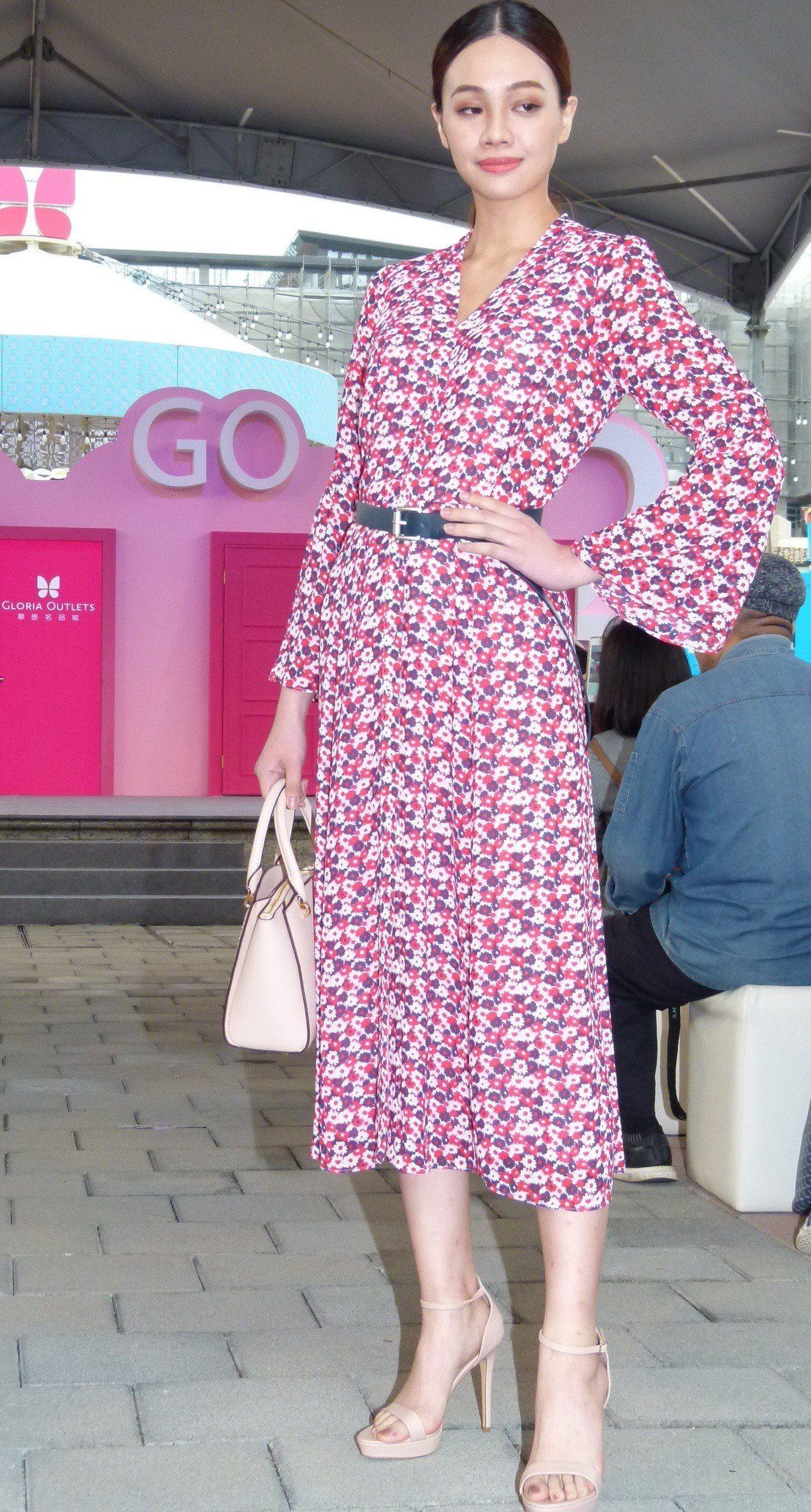 模特兒穿上新進駐的品牌走秀是開幕活動亮點之一。記者鄭國樑/攝影